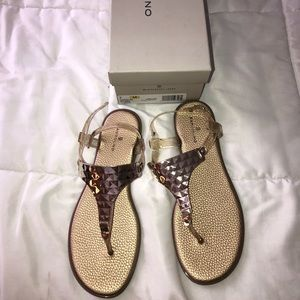 Bandolino gold sandals size 7